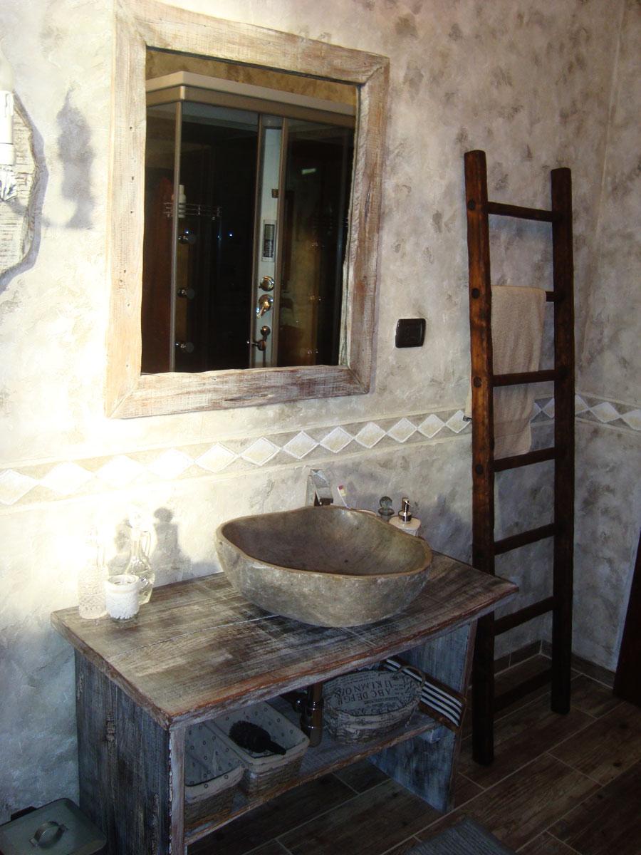 Bagno con bancali artigianato per la casa in legno pietra - Mobili fatti con bancali ...