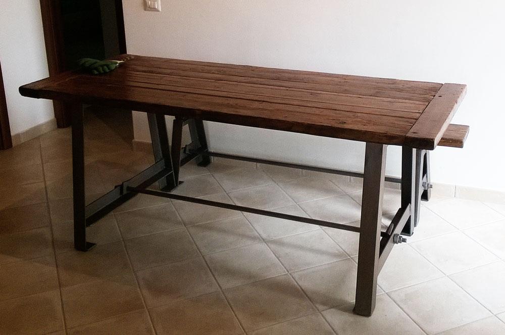 Tavolo In Ferro Brunito E Legno : Comodini in ferro battuto e legno. best consolle in ferro battuto e