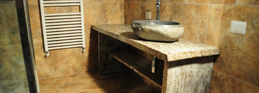 Artigianato per la casa in legno pietra e ferro a osimo - Mobile bagno ferro battuto ...